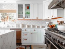 DeCluttering a Kitchen Helps to Sell it Fast