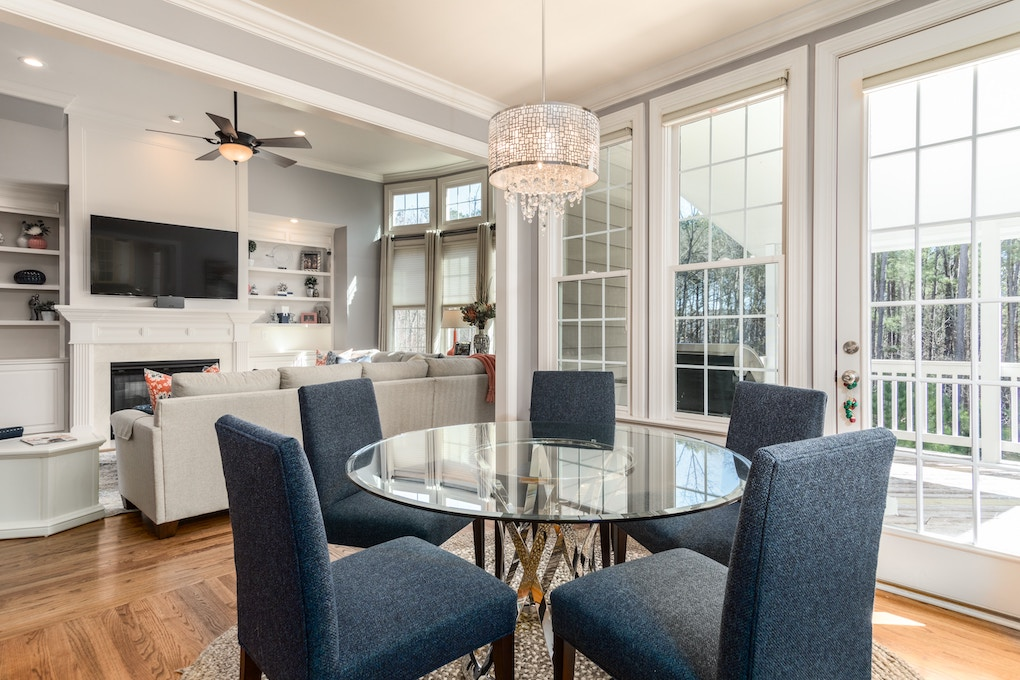 Declutter your dining and living areas for a quick home sale